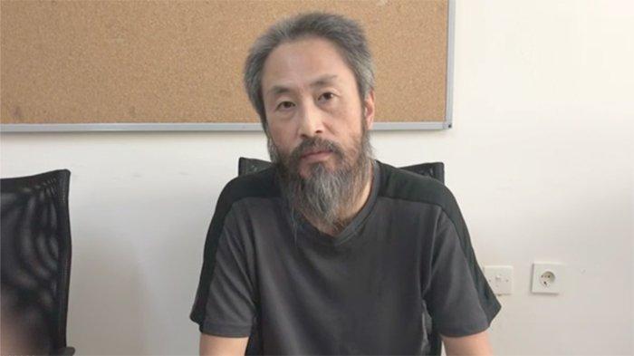 Junpei Yasuda (44) wartawan Jepang yang diculik 40 bulan sejak 2015 kini berada di Kedutaan Jepang.