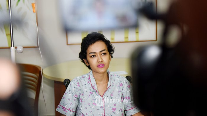 Sakit dan Jarang Manggung, Bagaimana Cara Julia Perez Mencari Rezeki?