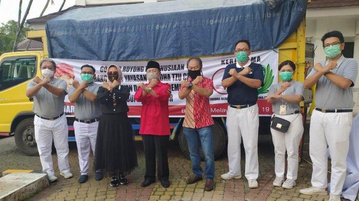 Yayasan Budha Tzu Chi dan Ara Sirait Berbagi Ribuan Paket Beras di Cianjur