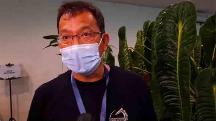 Handry Chuhairy, juri kontes dan pemilik Han Garden, saat ditemui dalam acara Kontes Aroid Nasional 2021 di kawasan Bojong Sari, Depok, Jawa Barat, Minggu (4/4/2021).