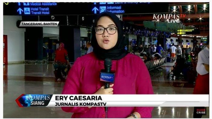 Jurnalis Kompas TV, Ery Caesaria mengabarkan dari Terminal Dua Bandara Soekarno Hatta mengenai kegiatan penerbangan Sriwijaya Air pasca kisruh dengan Garuda Indonesia.