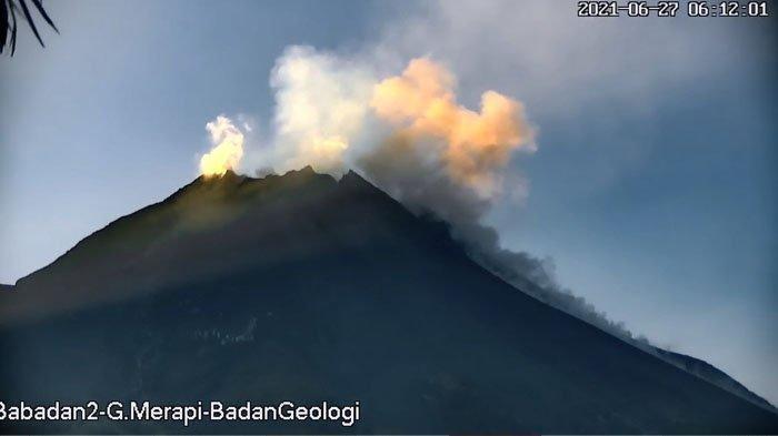 Rentetan Guguran Awan Panas Terjadi di Gunung Merapi Hari Ini