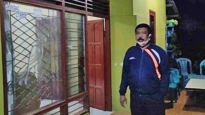 Rumah orangtua N di Dusun Kuwut, Desa Kemloko, Nglegok, Kabupaten Blitar. N merupakan terduga teroris yang ditangkap Densus 88 di Tulungagung.