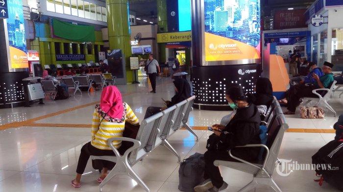 5 Penumpang di Stasiun Gambir Tak Kantongi SIKM, Dikarantina 14 Hari hingga Jalani Swab Test