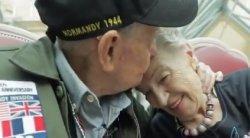 Berpisah Selama 75 Tahun, Sepasang Kekasih Ini Kembali Bertemu Walau Sudah Sama-sama Berumur