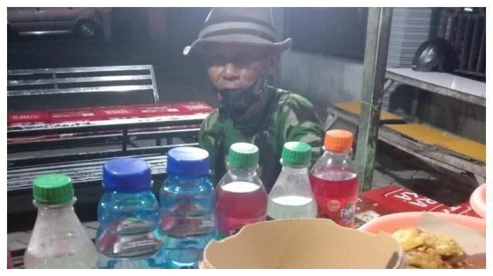 Kakek Penjual Ayam Mbah Oge