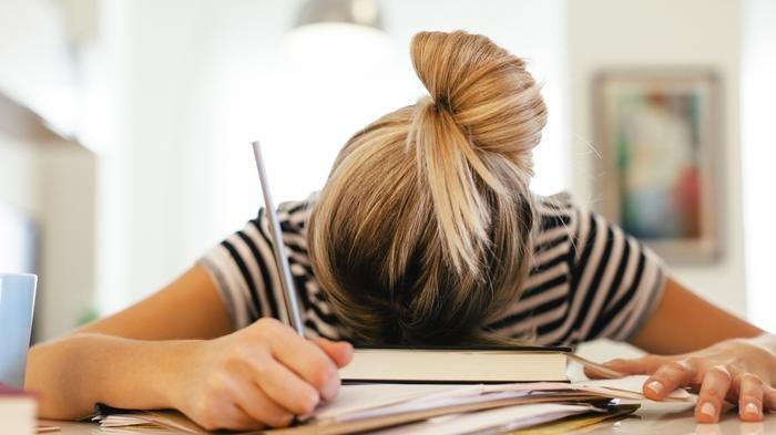 Cara Mengatasi Rasa Ngantuk pada Siang Hari, Atur Jam Tidur Malam hingga Gerakkan Tubuh