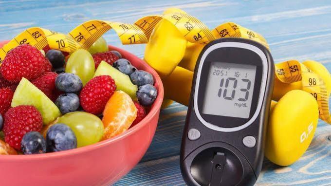 Tidak boleh sembarang pilih makanan untuk diabetes. Perhatikan 5 asupan gizi di bawah ini untuk memenuhi kebutuhan nutrisi diabetesi.