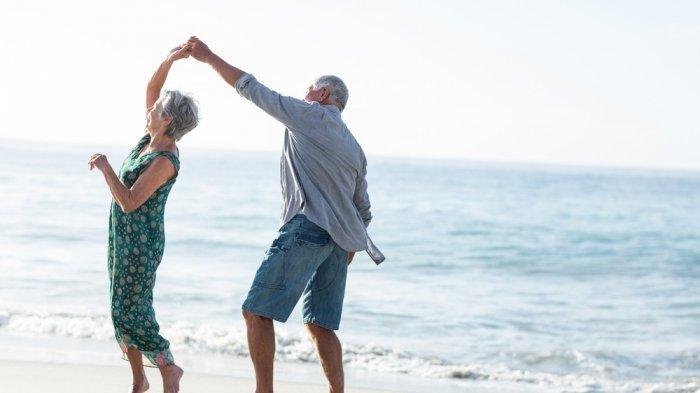 Rahasia Sehat di Usia 60an: Panduan Nutrisi, Kualitas Tidur, dan Olahraga Ringan