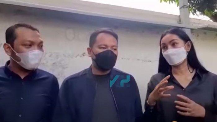 Kalina Oktarani dan Vicky Prasetyo saat ditemui oleh rekan media