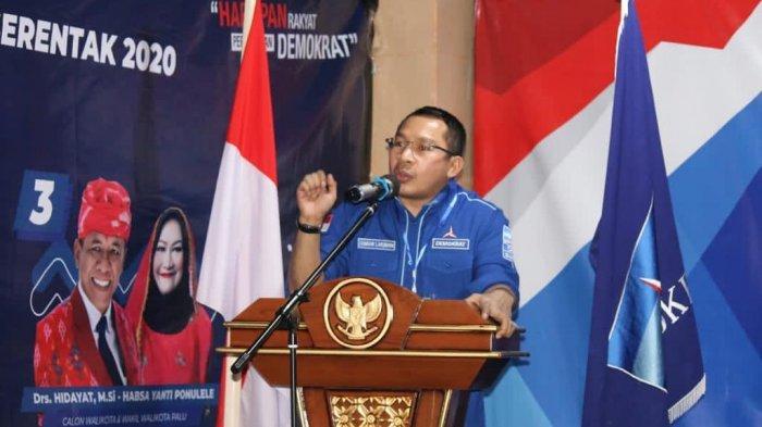 Kamhar Lakukami selaku Sekretaris Satgas Pilkada Tim Sulawesi I dan Sekretaris Bappilu DPP PD Memberi Sambutan dan Pembekalan pada Rakorda DPD PD Provinsi Sulawesi Tengah.
