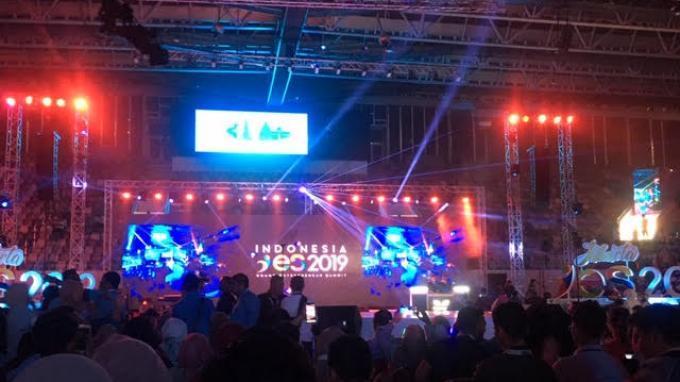 Kampanye Sandiaga di Istora Bak Pertunjukan Disc Jockey Kelas Dunia