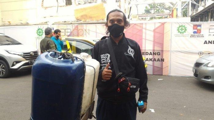 Inspiratif! Pasca di-PHK, Kang Darga Abdikan Dirinya Jadi Direktur Bank Sampah