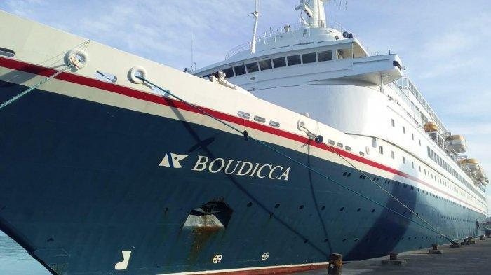 Setelah Kapal Cruise MV. The World, Kini Kapal Cruise MV Boudicca Bahamas Berlabuh di Ambon