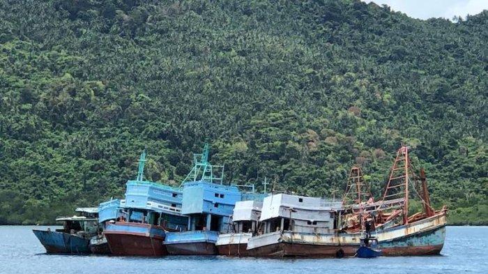 Kejagung: 10 Kapal Ikan Asing Asal Vietnam Ditenggelamkan