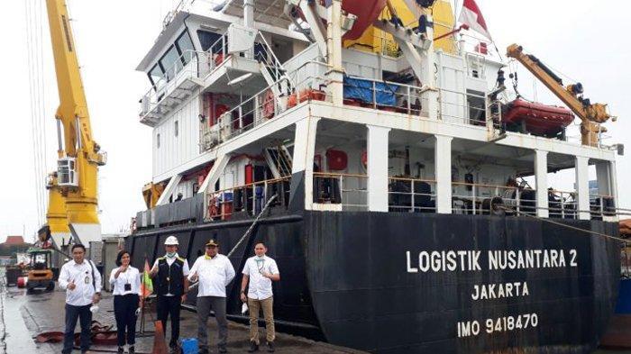 Penyelenggaraan Tol Laut, Kapal Logistik Nusantara 2 Angkut 19 Kontainer Produk Unggulan Merauke