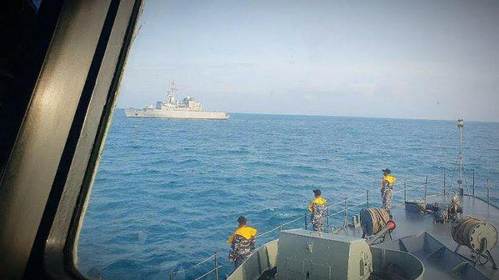 3 Kapal Perang TNI AL Gelar Latihan Bersama 2 Kapal Perang Perancis di Selat Sunda