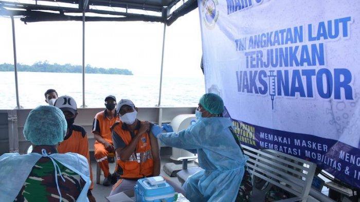 Di atas Kapal Perang TNI AL pun Bisa Dilakukan Vaksinasi