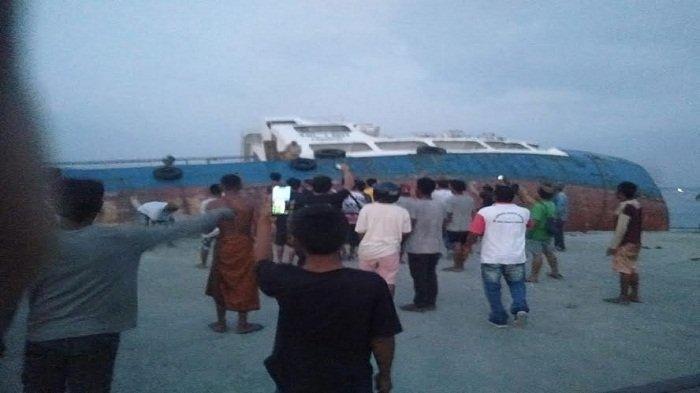 Kapal tenggelam di Lembata.