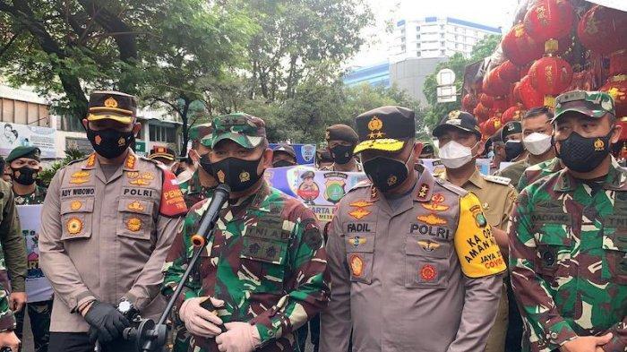 Kapolda Metro-Pangdam Jaya Sidak Dua Pasar di Jakbar: Penegakan Hukum Pelanggar Prokes Covid-19