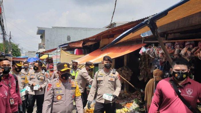 Pastikan Warga Jakarta Bermasker, Kapolda Metro Fadil Imran Sidak Pasar Kaget Kalibata