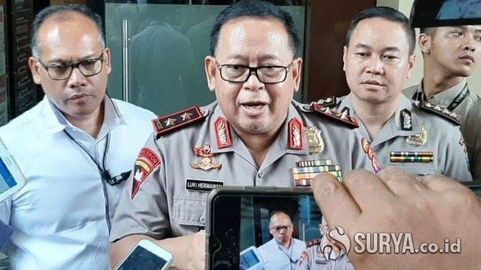 Kapolda Jatim, Irjen Pol Luki Hermawan saat diwawancari wartawan. Kapolda Jatim tegaskan satu Keluarga Cendana terseret Investasi Bodong MeMiles, Inisial ASH.