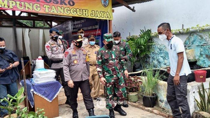 Kapolda Metro Jaya Irjen Pol Fadil Imran bersama Pangdan Jaya Mayjen TNI Dudung Abdurrachman.