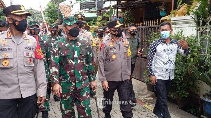 PPKM Dimulai, Kapolda Metro dan Pangdam Jaya Maksimalkan Kampung Tangguh Jaya