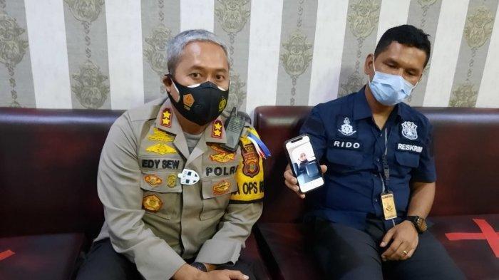 Kapolres Berau AKBP Edy Setyanto Erning saat melakukan rilis perkembangan kasus penemuan jenasah di kolam Buaya Mayang Mangurai Berau, Senin (26/10/2020).