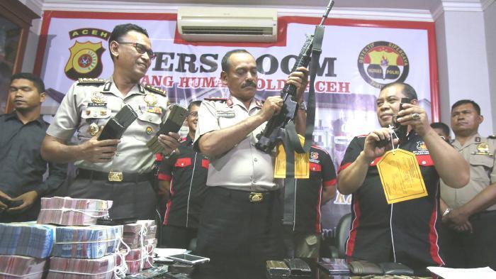 Dua Penculik Kamal Bahri Kabur Bawa Senjata AK-47