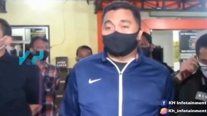 Kapolrestabes Medan, Kombes Riko Sunarko menjelaskan terkait kronologi penangkapan seorang artis FTV dengan inisial HH.
