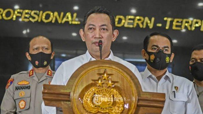 Kapolri Jenderal Listyo Sigit Prabowo saat mengadakan konferensi pers untuk memasukkan perluasan teknologi tilang elektronik atau Electronic Traffic Law Enforcement (ETLE), sebagai bagian dari program nyata di 100 hari pertamanya sebagai pimpinan tertinggi Kepolisian.