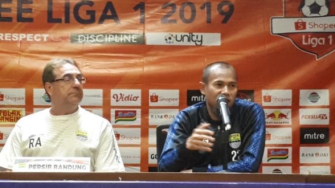 Kapten Persib Bandung Supardi Nasir saat hadir di konferensi pers sebelum laga kontra Persija di SUGBK, Senayan, Jakarta, Selasa (9/7/2019).