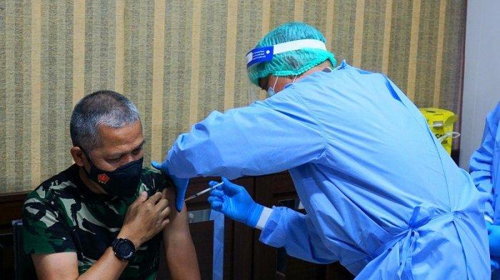 3 Hari Setelah Jokowi, Kapuskes TNI Mayjen Tugas Ratmono Disuntik Vaksin