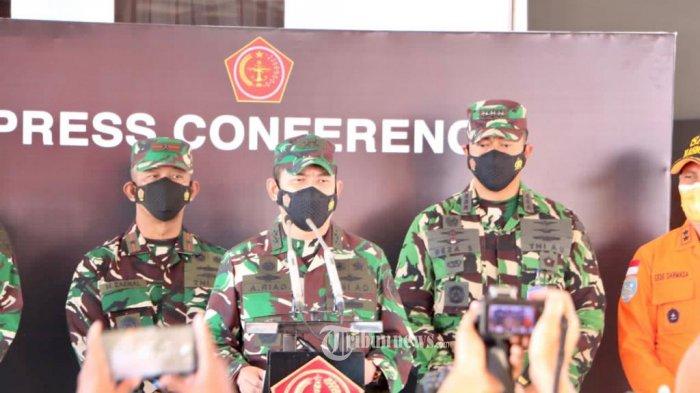 Siang Ini Panglima TNI dan KSAL Pantau Proses Pencarian KRI Nanggala 402 dari KRI dr Soeharso