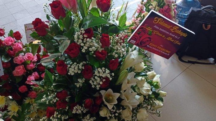Edhy Prabowo dan Siti Nurbaya, Menteri Pertama Kirim Karangan Bunga atas Kelahiran La Lembah Manah