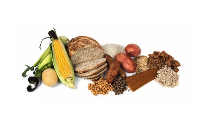 Diet yang menggabungkan karbohidrat tinggi dan protein rendah baik untuk umur panjang, tapi beresiko naikkan berat badan.