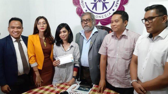Karen Pooroe yang ditemui di gedung Komnas Perlindungan Anak di Jalan TB Simatupang, Pasar Rebo, Jakarta Timur, Senin (2/12/2019).