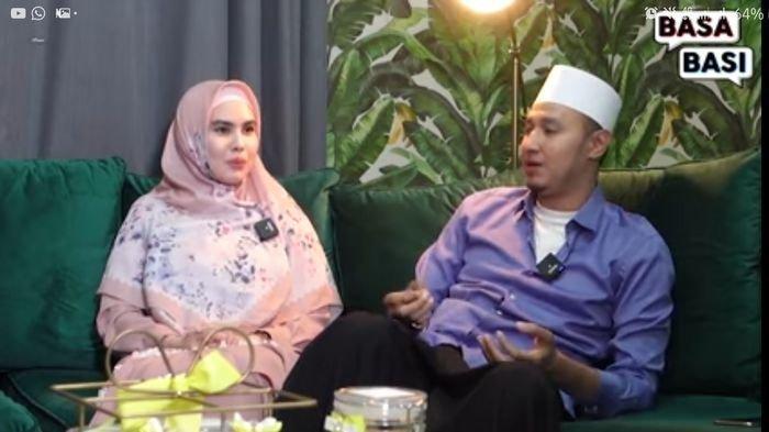 Kartika Putri dan Habib Usman bin Yahya.