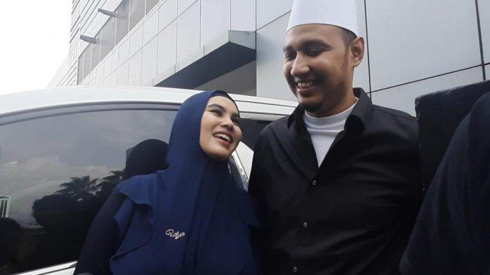 Kartika Putri dan Habib Usman saat ditemui di kawasan Tendean, Jakarta Selatan, Senin (13/1/2020).
