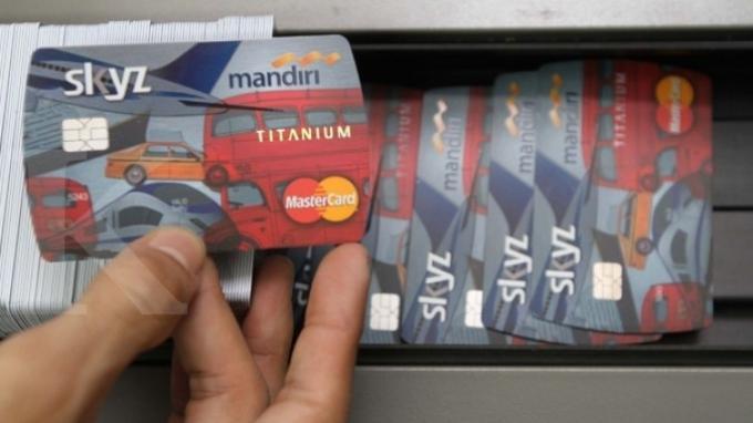 Garap Pasar Mahasiswa Bank Mandiri Cetak 7000 Kartu Debit Untuk Uns Tribunnews Com Mobile
