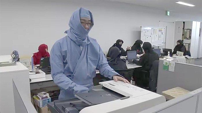Jelang Hari Ninja 22 Februari, Karyawan Pemda Koka dan Iga di Jepang Pakai Pakaian Ninja