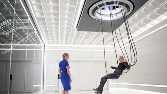 Kate Winslet dan Shailene Woodley dalam film Insurgent (2015)
