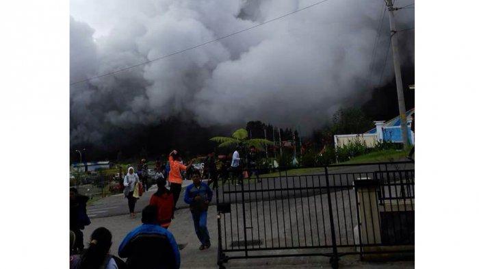 Breaking News: Kawah Sileri Semburkan Lumpur Setinggi 200 Meter Puluhan Pengunjung Terluka