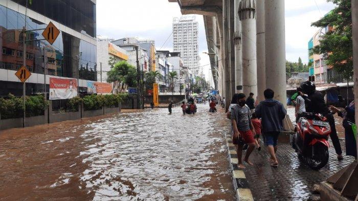 Foto-foto Situasi Banjir di Kawasan Pasar Cipulir