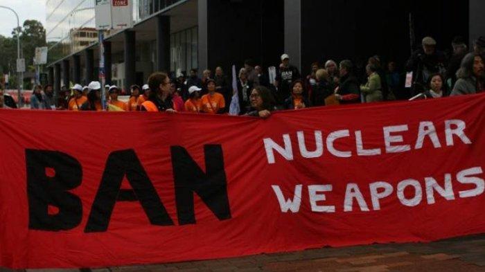 Aktivis Protes Australia Boikot Perundingan Larangan Nuklir