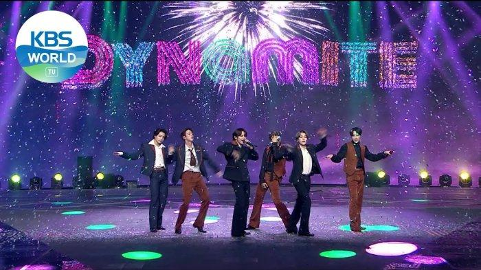"""Lagu """"Dynamite"""" Milik BTS Raih Sertifikat Double-Platinum dari Asosiasi Industri Rekaman Amerika"""
