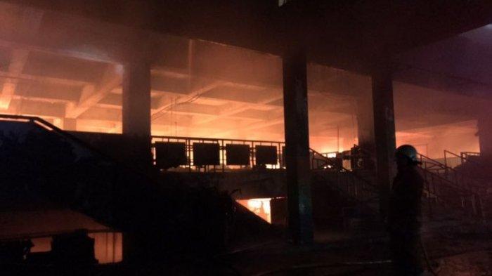 Kebakaran Pasar Minggu: 26 Unit Pemadam dan 116 Personel Damkar Dikerahkan