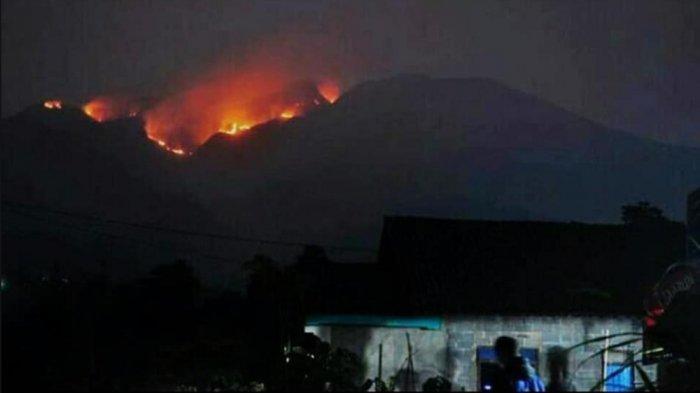 Kebakaran di Gunung Merbabu meluas, Kamis (12/9/2019).