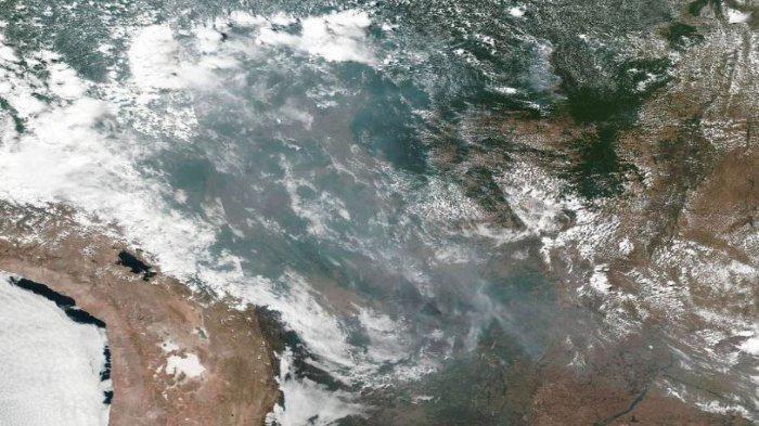 Kebakaran Hutan di Amazon Semakin Meluas, Aktivis Menyalahkan Presiden Brasil